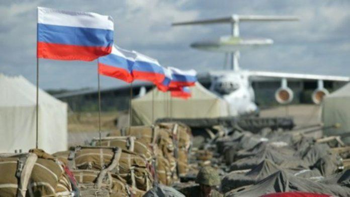 Російська морська піхота обіцяє знищити «кремлівську хунту» (відео)