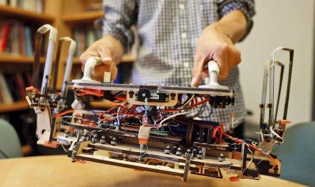 NASA розробляє робота-прибиральника космічного сміття з «гекконовими» присосками