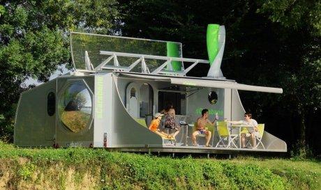 Складаний будинок sCarabane збирає енергію сонця і вітру для повністю автономного життя на природі