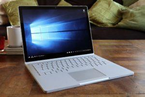 Новий гібрид Microsoft «перемагає» найпотужніший MacBook Pro