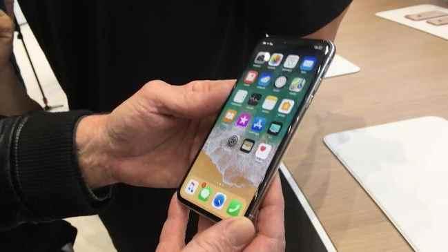 П'ять фішок Android-смартфонів, які запозичив iPhone X