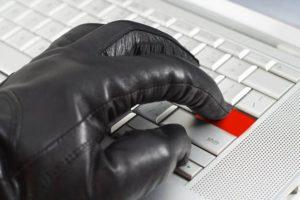 Хакери готують масові атаки на банки по всьому світу