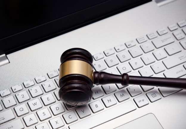 Комп'ютер-суддя: чому насправді потрібно побоюватися ШІ