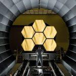 Як подорожують величезні космічні телескопи?