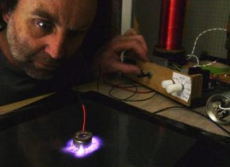 Австралійський ювелір створює дизайнерські візерунки з електричних розрядів
