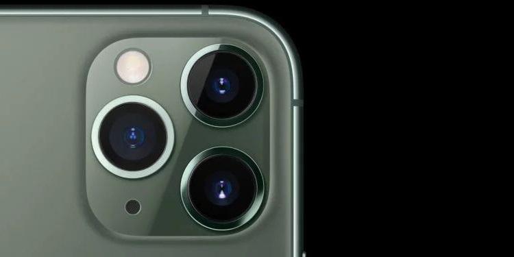 Потрійна камера iPhone Pro 11
